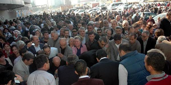 Ak Parti, Izmir'De Eğilim Yoklamasi Yapti