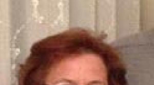 Ak Parti Konvoyunda Otobüsten Düşüp Ölen Kadın Toprağa Verildi