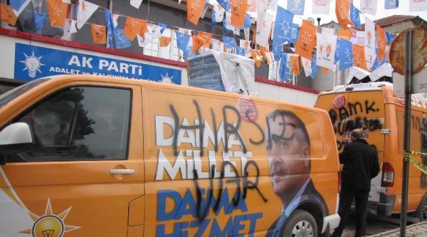 Ak Parti Seçim Araçlarına Sprey Boyalı Saldırı