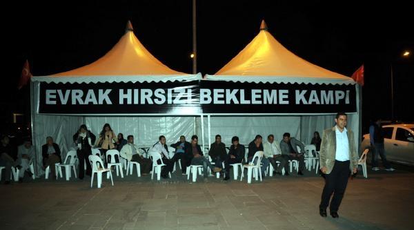 Ak Parti'den Antalya'da 'evrak Yakılıyor' Baskını (6)