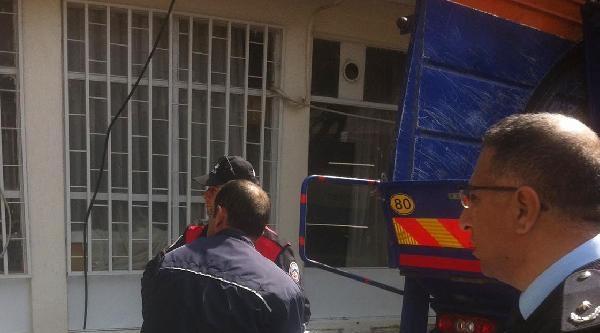 Ak Parti'den Antalya'da 'evrak Yakılıyor' Baskını - Ek Fotoğraflar