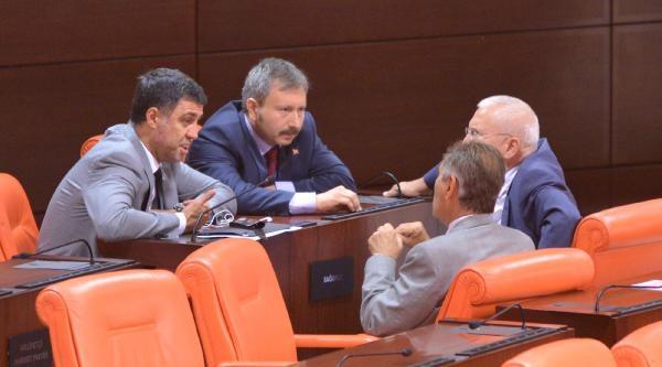 Ak Parti'den İstifa Eden Milletvekilleri, Genel Kurulu'nda Sohbet Etti