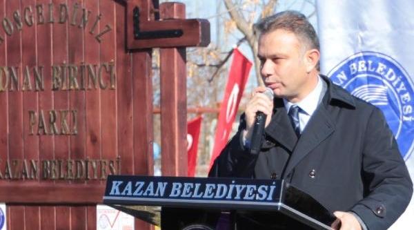 Ak Partili Başkan Park Açilişinda Turkuaz Renkli Kurdele Kesti