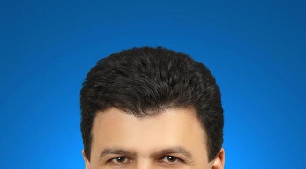 Ak Partili Belediye Başkanının Makam Aracı Kurşunlandı