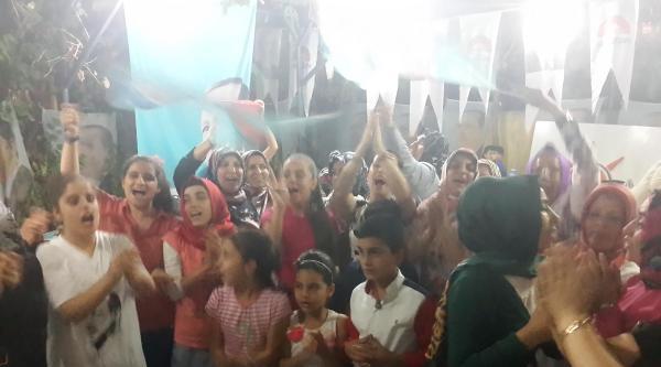 Ak Partili Kadınlardan Siirt'te Kutlama