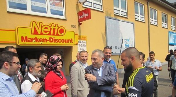 Ak Partili Külünk, Duısburg'ta Oy İstedi