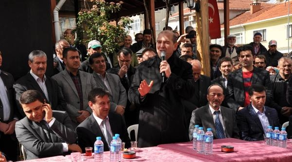 Ak Parti'li Soylu Çanakkale'de Muhalefete Yüklendi