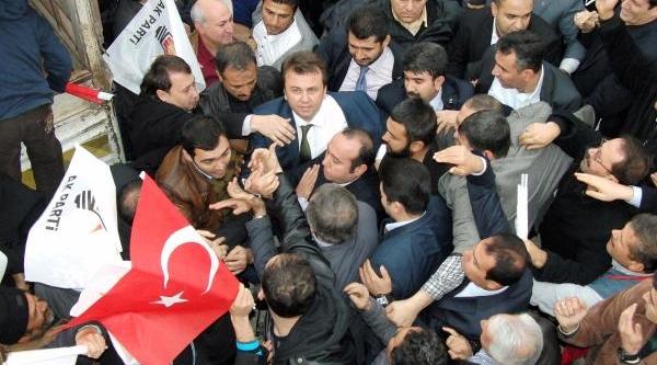Ak Parti'nin Kahramanmaraş Büyükşehir Belediye Başkan Adayi Erkoç'A Davullu-Zurnali Karşilama