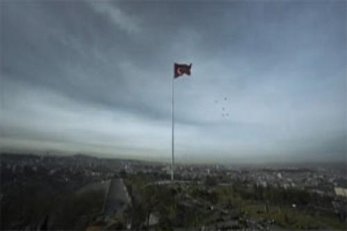 AK Parti'nin 'olay reklamı' yayında!