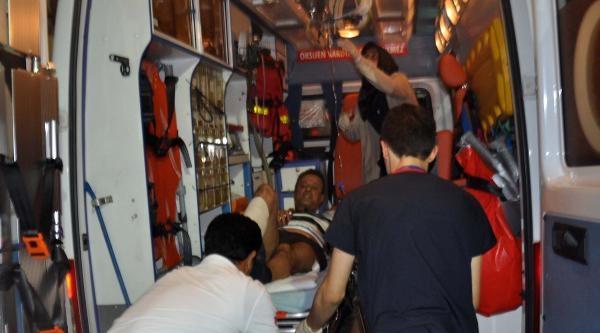 Akaryakıt İstasyonunda Kavga: 3 Yaralı