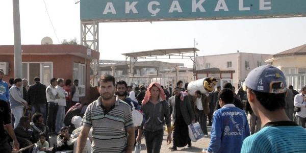 Akçakale'ye Suriye'den Gelişler Sürüyor