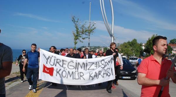 Akçakoca'da Mhp'li Gençlerden 'soma' Eylemi
