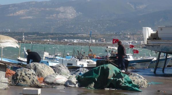 Akdeniz'de Fırtına İletim Hatlarını Kopardı, Bir Çok Yerde Elektrik Kesildi (2)