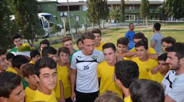 Akhisar Belediyespor 9-4 Kazandı