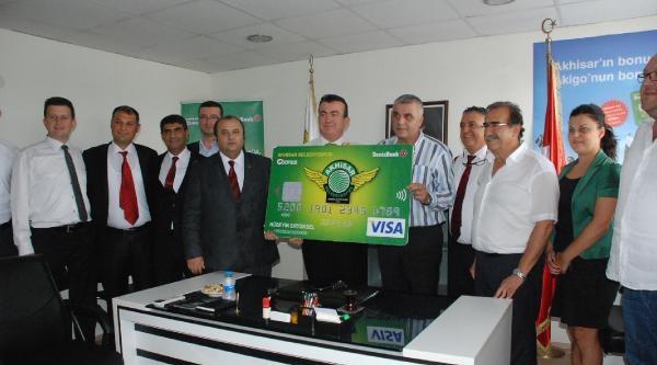 Akhisar Belediyespor Denizbank'la Devam