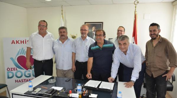 Akhisar Belediyespor'da Kadir Keleş İmzayi Attı