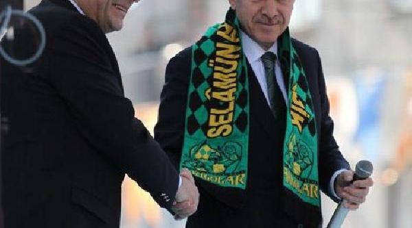 Akhisar Belediyespor'dan Başbakan Erdoğan'a Atki