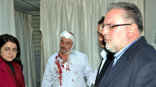 Akp'lilere Taşlı Sopalı Saldırı:5 Yaralı