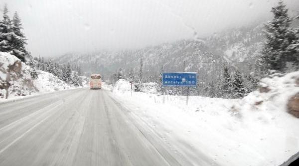 Akseki- Şeydişehir Karayolunda Kar