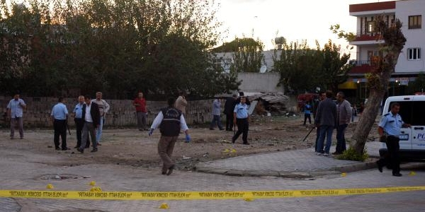Alacak Yüzünden Çikan Kavgada 2'si Polis 5 Kişi Yaralandi