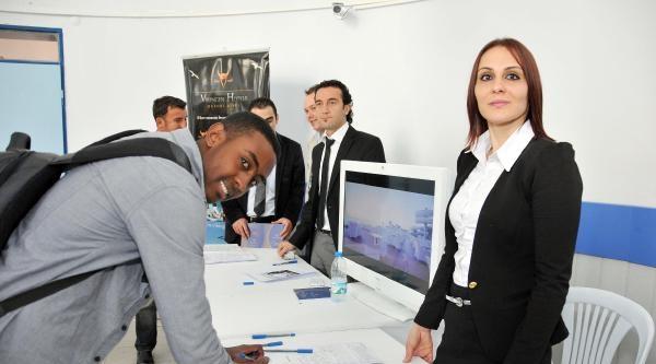 Alanya'da İş Garantili İstihdam Fuarı Düzenlendi