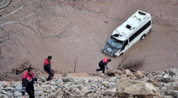 Alanya'da Minibüs Gölete Uçtu: 8 Ölü, 5 Yarali  - Ek Fotoğraflari