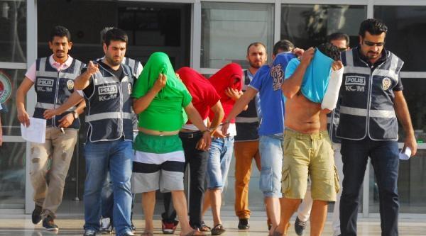 Alanya'da Sokak Satıcılarına Operasyon