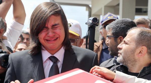 Albay Özenalp'in Cenazesinde Oramiral Bostanoğlu'na Protesto / Ek Fotoğraflar
