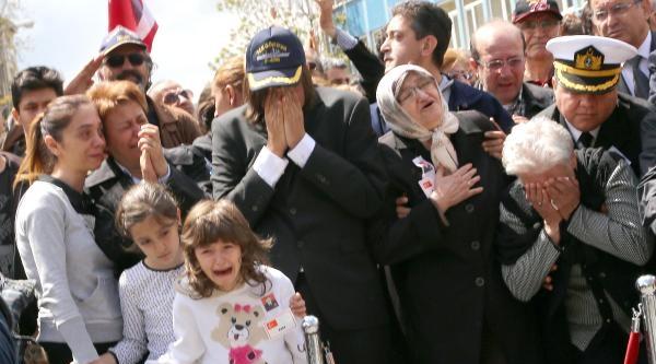 Albay Özenalp'in Cenazesinde Oramiral Bostanoğlu'na Protesto / Fotoğraflar