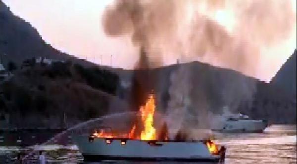 Alevler İçinde Kalan Ahşap Gulet Battı (ek Fotoğraflar)