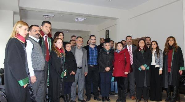 Ali Ismail Korkmaz'in Ailesi Saniklardan Şikayetçi Oldu