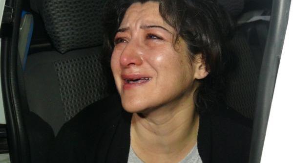 Alkollü Araç Sürerken Yakalanan Kadin Sürücü, 'otomobilimi Ve Ehliyetimi Almayin' Diye Ağladi