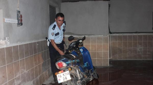 Alkollü Motosiklet Sürücüsü Kaza Yaptı: 2 Yaralı