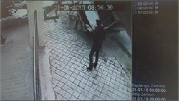 Alkollü sürücü 3 takla atıp, kaldırımdaki öğrenciye ça