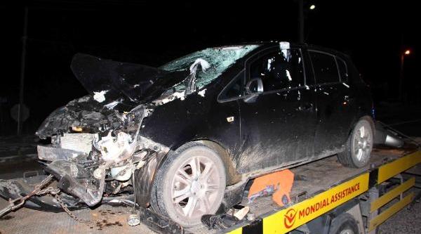Alkollü Sürücünün Çarptiği Anne Öldü, Oğlu Yarali