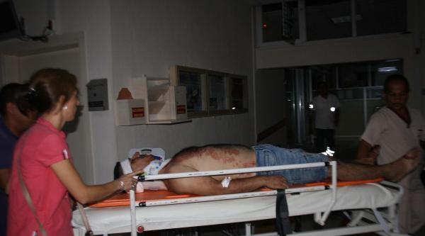 Alkollü Sürücünün Kullandığı Kamyonet Traktöre Arkadan Çarpti: 2 Yaralı