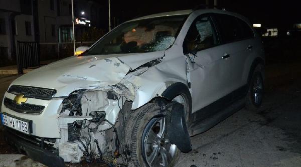 Alkollü Sürücünün Otomobille Çarptiği Tir Şoförü Öldü