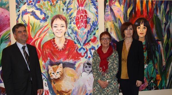 Alman Ressam Kadınlar Günü İçin Türk Kadınını Resmetti