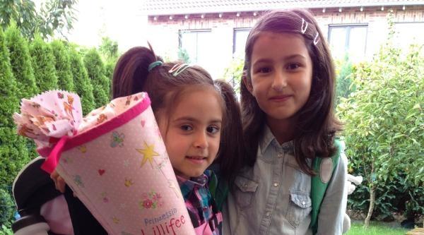 Almanya'da Çocuklari Okula Yeni Başlayan Türk Aileler Heyecanlı