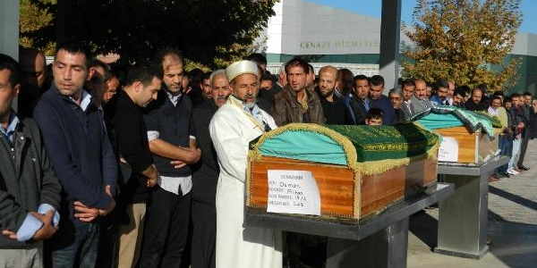 Almanya'da Firtina Kurbani 2 Kişinin Cenazeleri Malatya'da Toprağa Verildi