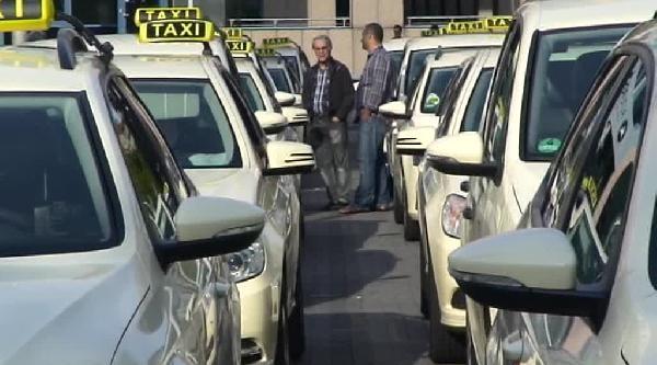 Almanya'da Taksicilere De Kemer Takma Zorunluluğu Geliyor