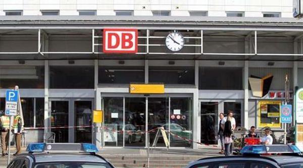 Almanya'da Trende Çatişma: 1 Ölü 3 Yaralı