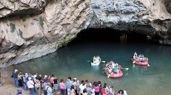 Altınbeşik Mağarası Ziyaretçi Çekiyor