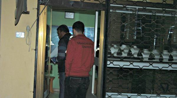 Altınları Çalani Güvenlik Kamerası Yakalattı