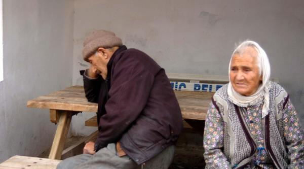 Alzheimer Hastasi Kadin Evini Yakti