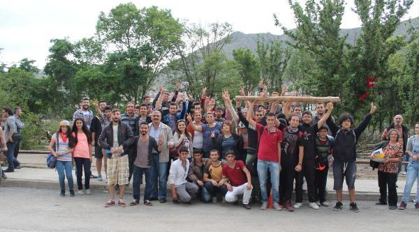 Amasya'da Çevreciler Mahkeme Kararını Çiğ Köfte Partisiyle Kutladı (2)