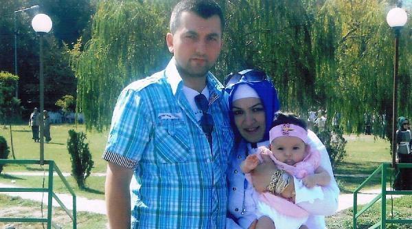 Ambulansla Hastaneden Getirilip Kazada Ölen Eşinin Cenazesine Katıldı