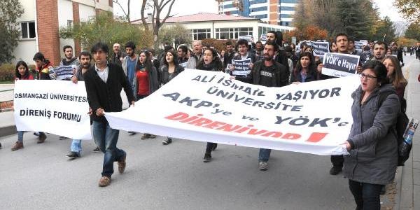 Anadolu Üniversitesi'nde Yök Protestosu