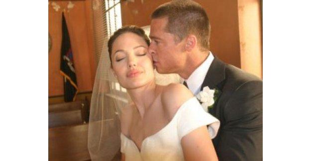 Angelina Jolie ile Brad Pitt bütün dünyayı kandırmış