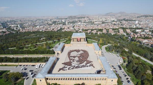 Anıtkabir'de 6 Bin Kişiyle En Büyük Atatürk Portresi- Yeniden